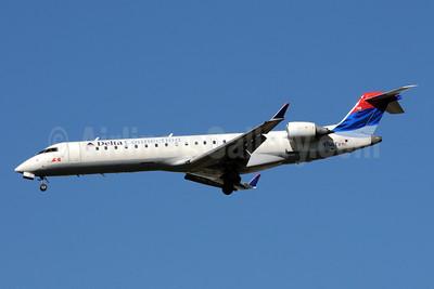 Delta Connection-ASA (Atlantic Southeast Airlines) Bombardier CRJ700 (CL-600-2C10) N709EV (msn 10068) ATL (Bruce Drum). Image: 101243.