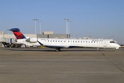 Delta Connection-ASA (Atlantic Southeast Airlines) CRJ900 (CL-600-2D24) N131EV (msn 15217) ATL (Jay Selman). Image: 402075.