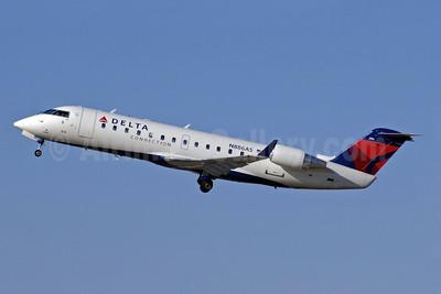 Delta Connection-ASA (Atlantic Southeast Airlines) Bombardier CRJ200 (CL-600-2B19) N886AS (msn 7531) ATL (Jay Selman). Image: 402068.