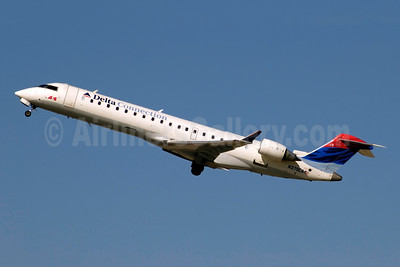 Delta Connection-ASA (Atlantic Southeast Airlines) Bombardier CRJ700 (CL-600-2C10) N379CA (msn 10102) ATL (Jay Selman). Image: 402071.