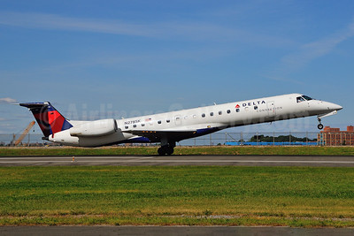 Delta Connection-Chautauqua Airlines Embraer ERJ 145LR (EMB-145LR) N278SK (msn 145370) LGA (Ken Petersen). Image: 924149.