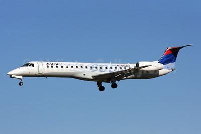 Delta Connection-Chautauqua Airlines Embraer ERJ 145LR (EMB-145LR) N568RP (msn 145800) (800th) BWI (Brian McDonough). Image:
