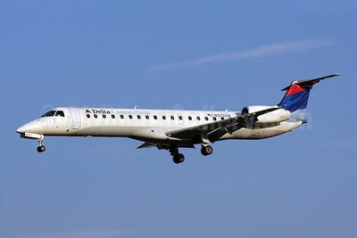 Delta Connection-Chautauqua Airlines Embraer ERJ 145LR (EMB-145LR) N272SK (msn 145306) BWI (Brian McDonough). Image: 909282.
