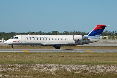 Delta Connection-Comair Bombardier CRJ200 (CL-600-2B19) N865CA (msn 7507) FLL (Bruce Drum). Image: 104731.
