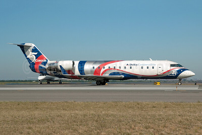 """Comair's 2002 """"25 Years"""" special livery"""