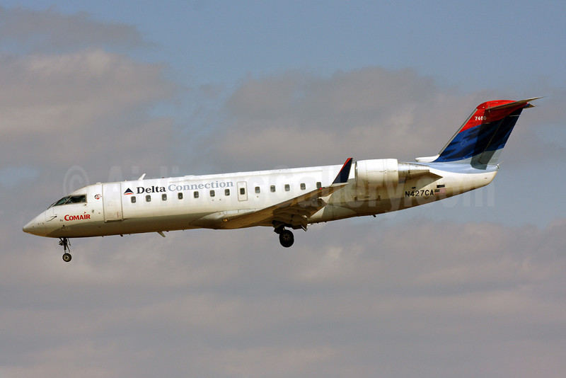Delta Connection-Comair Bombardier CRJ100 (CL-600-2B19) N417CA (msn 7460) BWI (Brian McDonough). Image: 902405.