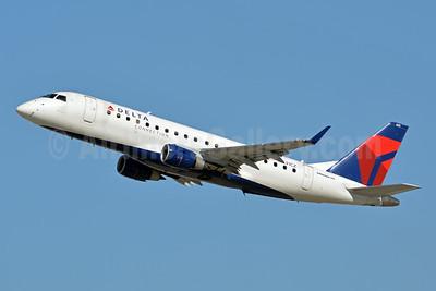 Delta Connection-Compass Airlines Embraer ERJ 170-200LR (ERJ 175) N631CZ (msn 17000239) LAX (Jay Selman). Image: 403803.