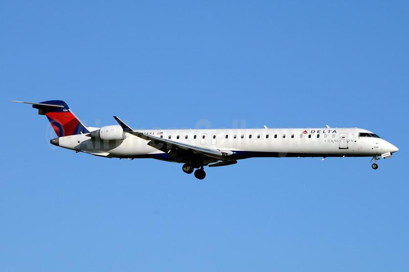 Delta Connection-Endeavor Air Bombardier CRJ900 (CL-600-2D24) N934XJ (msn 15198) JFK (Jay Selman). Image: 403626.