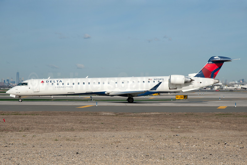Delta Connection-Endeavor Air Bombardier CRJ900 (CL-600-2D24) N315PQ (msn 15315) JFK (Fred Freketic). Image: 935518.