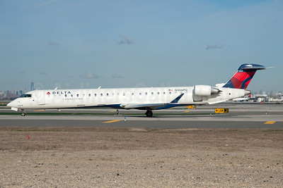 Delta Connection-Endeavor Air Bombardier CRJ900 (CL-600-2D24) N306PQ (msn 15306) JFK (Fred Freketic). Image: 935517.
