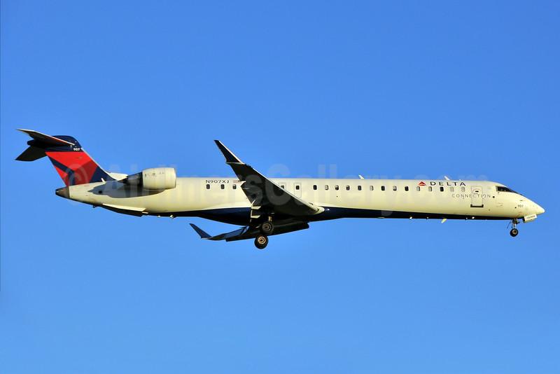 Delta Connection-Endeavor Air Bombardier CRJ900 (CL-600-2D24) N907XJ (msn 15139) RDU (Ken Petersen). Image: 929456.