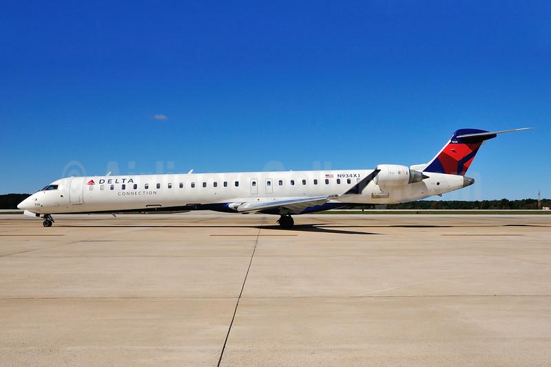 Delta Connection-Endeavor Air Bombardier CRJ900 (CL-600-2D24) N934XJ (msn 15198) RDU (Ken Petersen). Image: 929458.