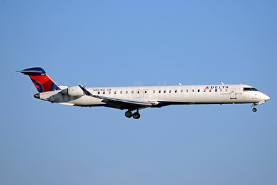 Delta Connection-ExpressJet Airlines Bombardier CRJ900 (CL-600-2D24) N307PQ (msn 15307) ATL (Jay Selman). Image: 403371.