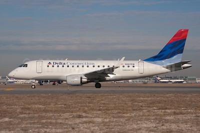 Delta Connection-Shuttle America Embraer ERJ 170-100SE N861RW (msn 17000094) JFK (Fred Freketic). Image: 950022.