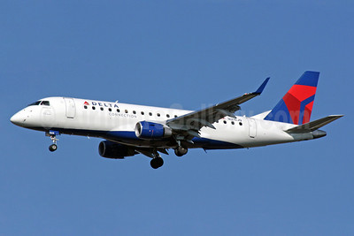 Delta Connection-Shuttle America Embraer ERJ 170-200LR (ERJ 175) N215JQ (msn 17000270) ATL (Norbert G. Raith). Image: 904502.