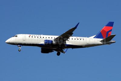 Delta Connection-Shuttle America Embraer ERJ 170-200LR (ERJ 175) N201JQ (msn 17000235) ATL (Bruce Drum). Image: 101252.