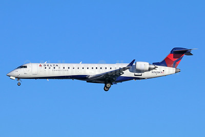 Delta Connection-SkyWest Airlines Bombardier CRJ700 (CL-600-2C10) N762SK (msn 10226) SEA (Michael B. Ing). Image: 943071.