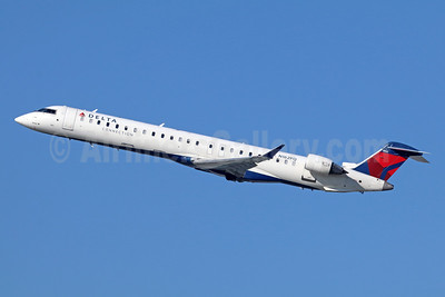 Delta Connection-SkyWest Airlines Bombardier CRJ900 (CL-600-2D24) N162PQ (msn 15162) LAX (Michael B. Ing). Image: 943077.