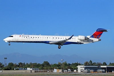 Delta Connection-SkyWest Airlines Bombardier CRJ900 (CL-600-2D24) N679CA (msn 15132) LGB (Michael B. Ing). Image: 933367.