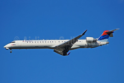 Delta Connection-SkyWest Airlines Bombardier CRJ900 (CL-600-2D24) N817SK (msn 15107) ATL (Bruce Drum). Image: 100776.
