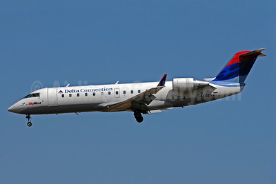 Delta Connection-SkyWest Airlines Bombardier CRJ200 (CL-600-2B19) N446SW (msn 7666) SLC (Bruce Drum). Image: 101609.