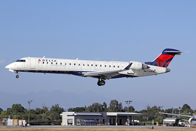 Delta Connection-SkyWest Airlines Bombardier CRJ700 (CL-600-2C10) N604SK (msn 10249) LGB (Michael B. Ing). Image: 913136.