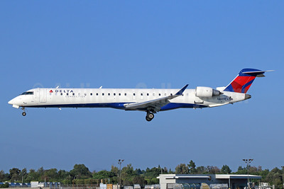Delta Connection-SkyWest Airlines Bombardier CRJ900 (CL-600-2D24) N689CA (msn 15133) LGB (Michael B. Ing). Image: 933368.