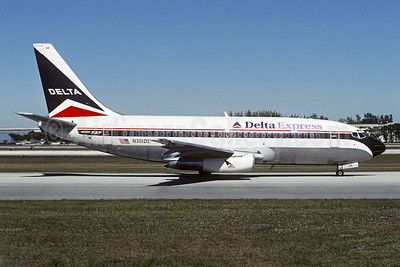 Delta Express (Delta Air Lines) Boeing 737-232 N301DL (msn 23073) FLL (Christian Volpati). Image: 953272.