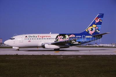 """Delta Express' """"Powerpuff Girls"""" logo jet"""
