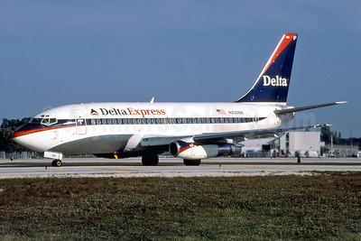 Delta Express (Delta Air Lines) Boeing 737-247 N238WA (msn 23186) FLL (Fernandez Imaging). Image: 921820.
