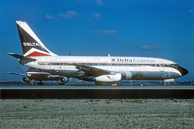 Delta Express (Delta Air Lines) Boeing 737-232 N328DL (msn 23100) JFK (Roy Lock). Image: 912041.