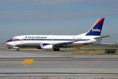 Delta Shuttle (Delta Air Lines) Boeing 737-35B N223DZ (msn 23972) LGA (Fred Freketic). Image: 949826.