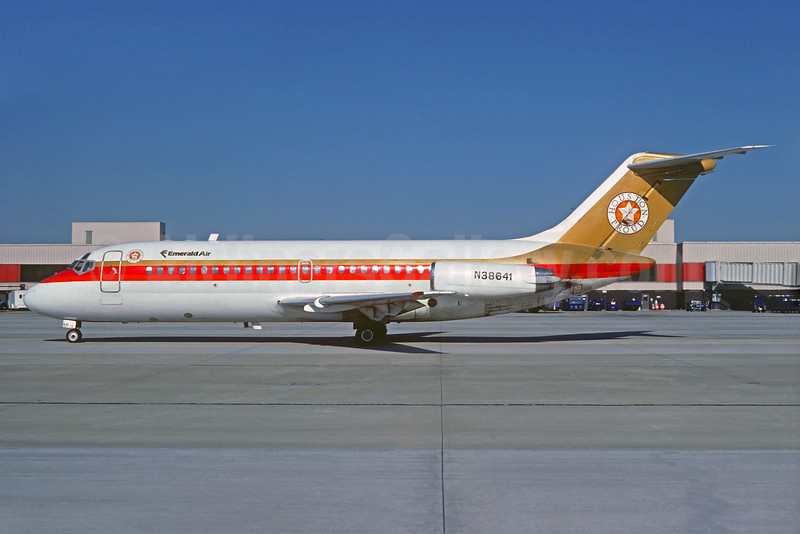 Emerald Air Douglas DC-9-14 N38641 (msn 47060) (Houston Proud Bird Bird Express - Continental Airlines colors) ATL (Christian Volpati Collection). Image: 931284.