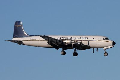 Everts Air Cargo Douglas C-118A-DO (DC-6A) N747CE (msn 44661) ANC (Michael B. Ing). Image: 951739
