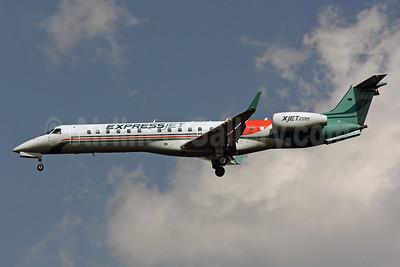 ExpressJet Airlines Embraer ERJ 145XR (EMB-145XR) N12166 (msn 145831) IAD (Brian McDonough). Image: 903536.