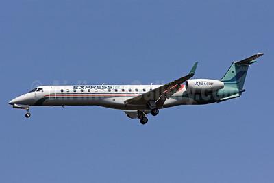 ExpressJet Airlines Embraer ERJ 145XR (EMB-145XR) N14186 (msn 145924) IAD (Brian McDonough). Image: 903279.