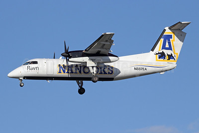 Ravn Alaska (Corvus Airlines) de Havilland Canada DHC-8-106 Dash 8 N887EA (msn 351) (University of Alaska Nanooks) ANC (Michael B. Ing). Image: 933071.