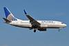 United Airlines Boeing 737-724 WL N25705 (msn 28766) SNA (Stephen Tornblom). Image: 929605.