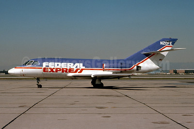 Federal Express Dassault Falcon 20DC (F) (Mystere) N20FE (msn 235) LGB (Ron Monroe). Image: 945101.