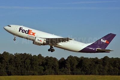 FedEx Express Airbus A300B4-622R (F) N686FE (msn 804) RDU (Ken Petersen). Image: 929783.