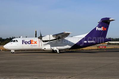 FedEx Feeder-Empire Airlines (3rd) ATR 42-300 (F) N913FX (msn 250) SEA (Bruce Drum). Image: 101936.