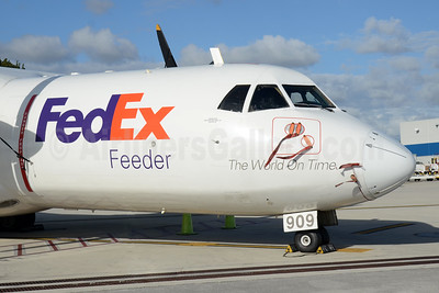 FedEx Feeder-Mountain Air Cargo ATR 42-300 (F) N909FX (msn 275) MIA (Bruce Drum). Image: 104296.