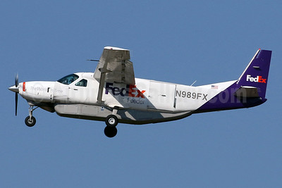 FedEx Feeder-Mountain Air Cargo Cessna 208B (F) Grand Caravan N989FX (msn 2043) IAD (Brian McDonough). Image: 930574.