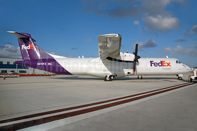 FedEx Feeder-Mountain Air Cargo ATR 72-202 (F) N811FX (msn 283) MIA (Bruce Drum). Image: 100305.