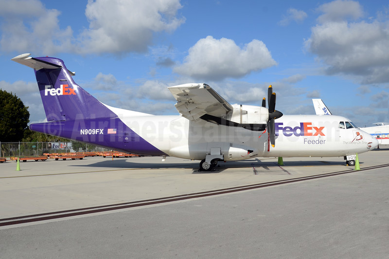 FedEx Feeder-Mountain Air Cargo ATR 42-300 (F) N909FX (msn 275) MIA (Bruce Drum). Image: 104295.