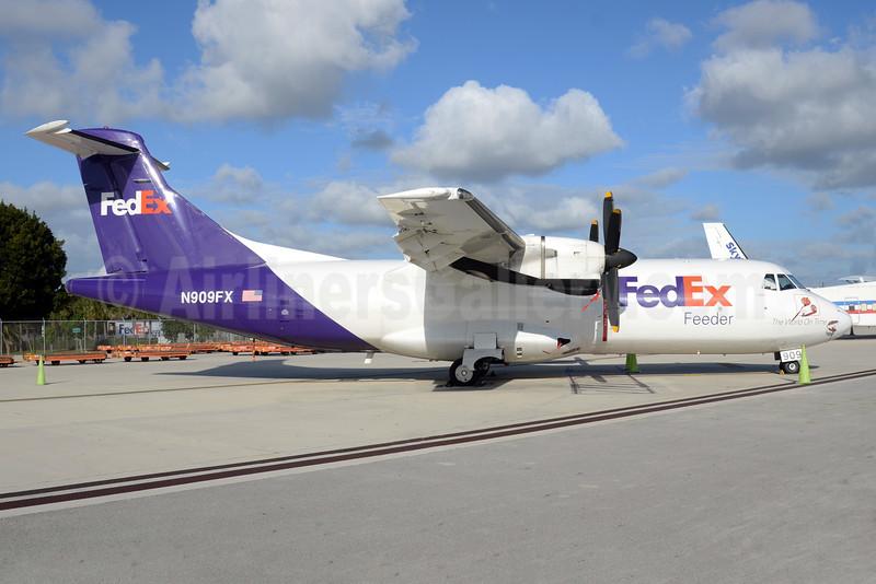 FedEx Feeder-Mountain Air Cargo ATR 42-300 (F) N909FX (msn 275) MIA (Bruce Drum). Image: 104295.