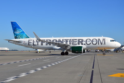 FlyFrontier.com (Frontier Airlines 2nd) Airbus A320-214 WL N220FR (msn 5661) (Tiger Shark) SEA (Bruce Drum). Image: 103040.
