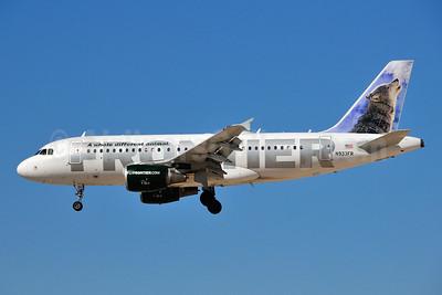 Frontier Airlines (2nd) Airbus A319-111 N933FR (msn 2260) LAS (Ken Petersen). Image: 940920.