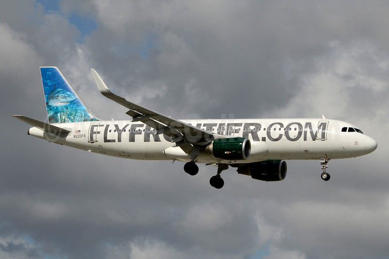 FlyFrontier.com (Frontier Airlines 2nd) Airbus A320-214 WL N220FR (msn 5661) (Tiger Shark) MIA (Jay Selman). Image: 403532.