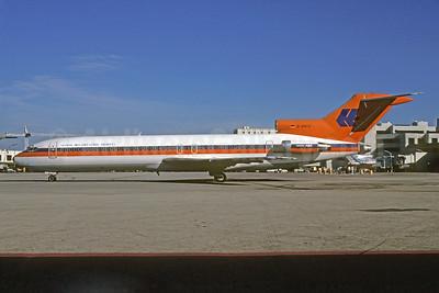 Global International Airways Boeing 727-2K5 D-AHLU (msn 21852) (Hapag-Lloyd colors) MIA (Bruce Drum). Image: 103056.